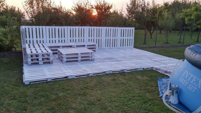 wooden pallet garden in progress