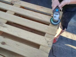 Clearning Wooden Pallet Surface