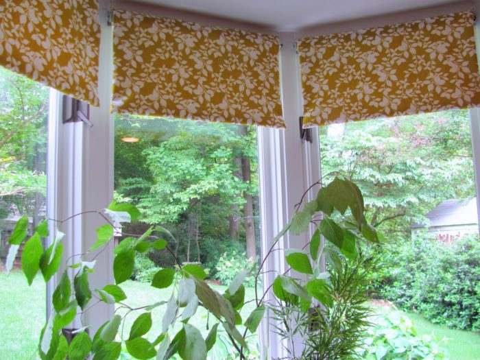 Fabric-covered window blinds