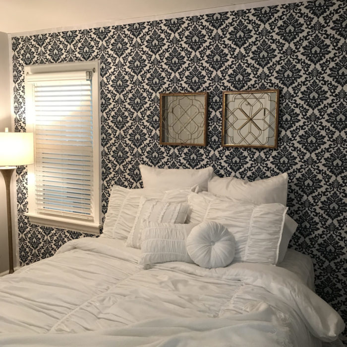 Removable fabric wallpaper